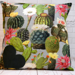 """Handgemaakte kussen """"cactussen"""" 5 50x50 cm"""