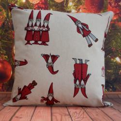 Handgemaakte kussen kerst beige rood kerstkabouter gnoom 50x50 cm
