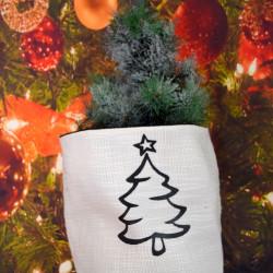 Kerstzak off white met zwarte opdruk kerstboom klein