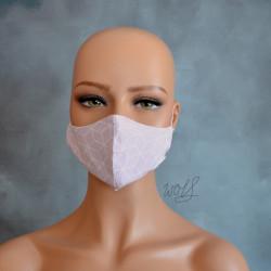 Mondkapje of medisch gezichtsmasker roze met grafisch patroon