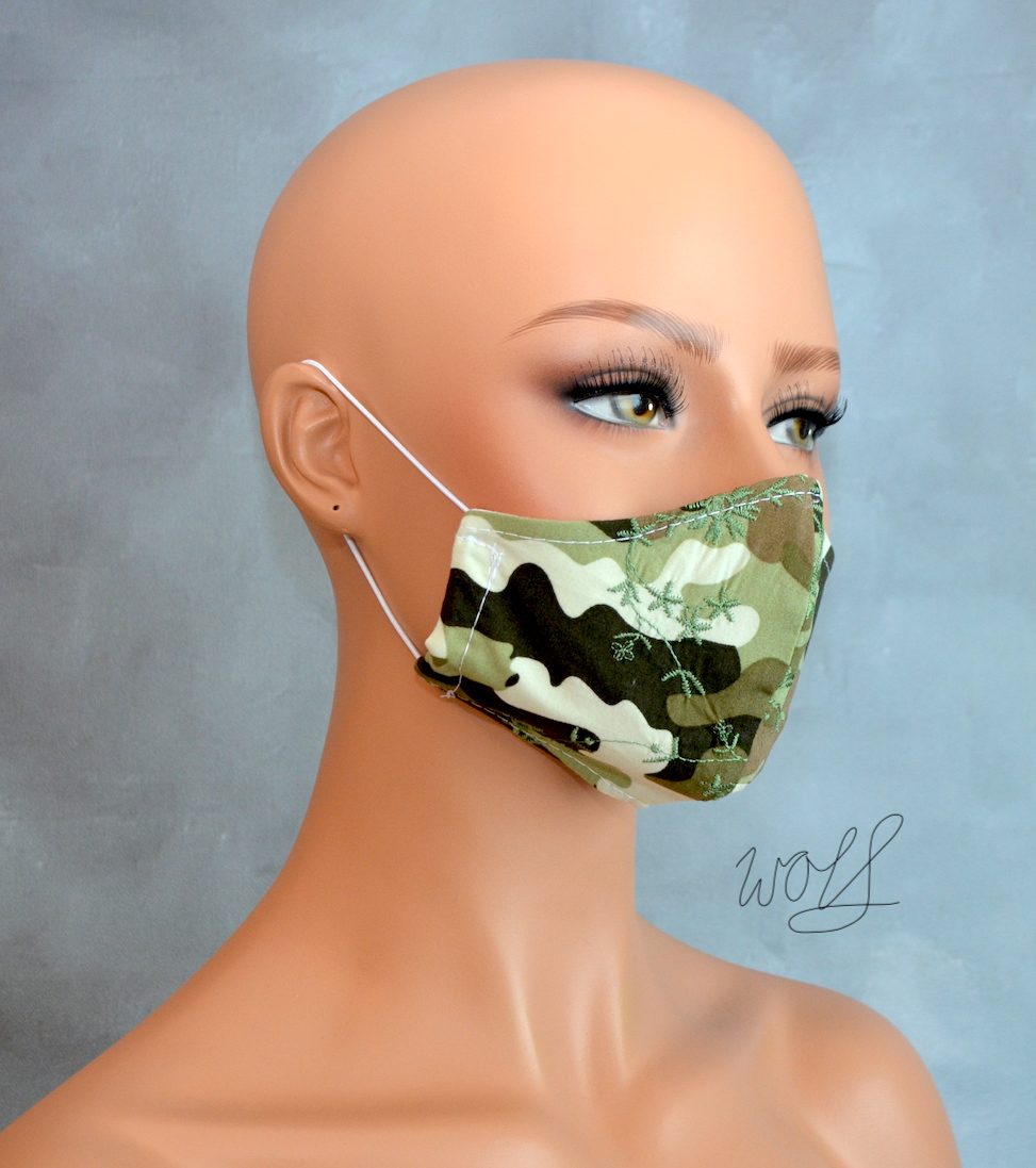 Mondkapje of gezichtsmasker camouflage groen met fijn borduursel