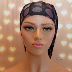 Handgemaakte chemo muts Bonnie zwart met paars lila en grijs met kettingen maat S