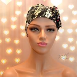 Handgemaakte chemo muts Beyonce in een zwart en roze dierlijke print maat M