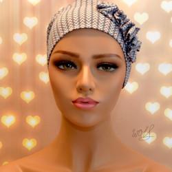 Handgemaakte chemo muts Beyonce in roze en licht blauwe tinten maat L