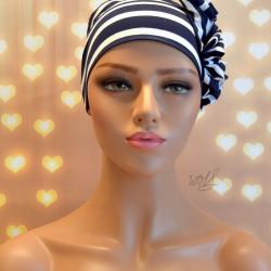 Handgemaakte chemo muts Beyonce in blauw wit brede streep maat L