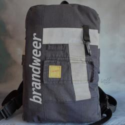 Stoere handgemaakte brandweertas of rugtas met originele zak