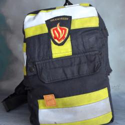 Stoere handgemaakte brandweertas of rugtas met originele zak en logo