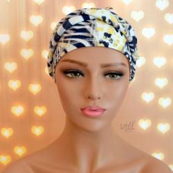 Handgemaakte chemo muts Babet wit met zebra blauw en geel maat L