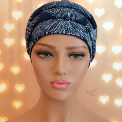 Handgemaakte chemo muts Babet wit met donker blauw tinten maat S