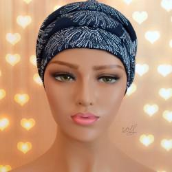 Handgemaakte chemo muts Babet wit met donker blauw tinten maat M